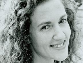 Andrea Satin